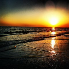 Photo taken at Siesta Key Beach by Chilly C. on 5/22/2012