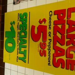 Photo taken at Hungry Howies by Jessica 'Senshi' A. on 5/8/2012