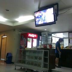 Photo taken at ร้านตามสั่ง 71 Sports Club by POTTAMAN ® on 9/16/2012
