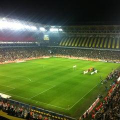 Photo taken at Fenerbahçe Şükrü Saracoğlu Stadyumu by Ya Herro Ya Merro on 11/10/2013