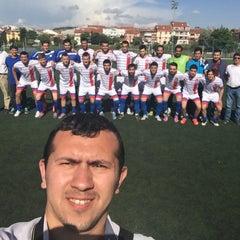 Photo taken at Abdurrahman Temel Futbol Sahası by Serkan A. on 6/14/2015