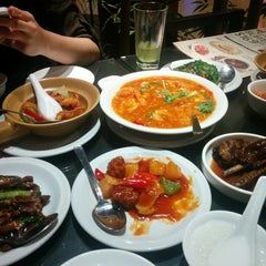Photo taken at Soup Restaurant 三盅兩件 by Edmund Q. on 3/30/2015
