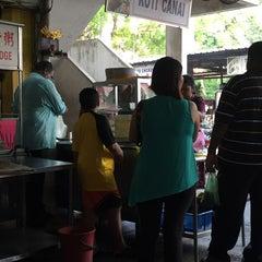 Photo taken at Sin Kim Seng Coffee Shop by Tan J. on 7/24/2015