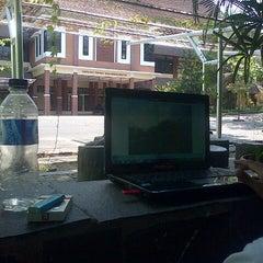 Photo taken at Fakultas Pertanian by Bayu A. on 10/13/2013