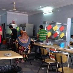 Photo taken at Mee Rebus Tapah by h a f i z on 11/29/2014