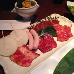 Photo taken at 炭火焼肉 のて 豊中庄内店 by Masami S. on 8/4/2014