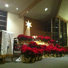 Photo taken at Mt. Tamalpais United Methodist Church by Steven W. on 12/25/2013