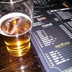 Foto tirada no(a) Barley Brew Pub por Kim G. em 5/5/2013