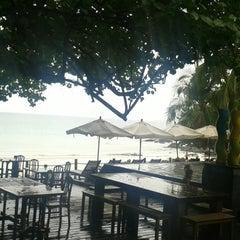 Photo taken at Ao Prao Resort (อ่าวพร้าว รีสอร์ท) by Lalaine L. on 4/11/2013