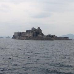 Photo taken at 端島 (軍艦島) Hashima (Gunkanjima) Island by 🌴🌴 ぴゆん  🌴🌴 ﹆. on 11/4/2012