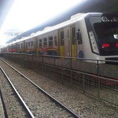 Photo taken at Stasiun Medan by Ali S h. on 3/21/2013