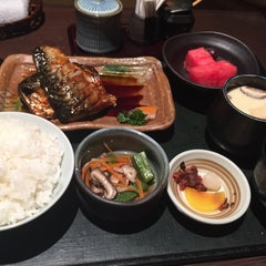 Photo taken at Rakuzen by Stephanie C. on 6/18/2015