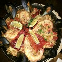 Photo taken at Encasa Restaurant by toni on 8/1/2015