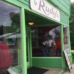Photo taken at Rudy's Pizza by Neal E. on 8/9/2015