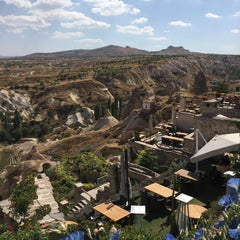Photo taken at Argos In Cappadocia by Cemal Ü. on 9/27/2015