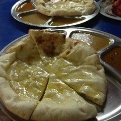 Photo taken at Haji Tapah Nasi Kandar (Melawati Foodcourt) by Siti H. on 2/24/2013