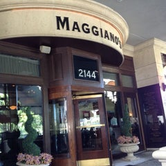 Photo taken at Maggiano's Little Italy by Solange S. on 10/20/2014