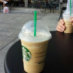 Photo taken at Starbucks by Lolo on 8/8/2013