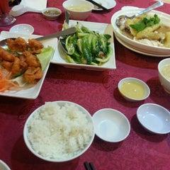 Photo taken at Wong Kok Restaurant @ Penampang by Emilly E. on 9/3/2013