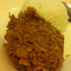 Photo taken at KFC (เคเอฟซี) by Chananya N. on 12/26/2013
