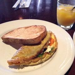 Photo taken at Sienna Marina Bar & Restaurant by jansen c. on 8/23/2014