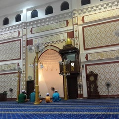 Photo taken at Masjid Sepang by Mohd A. on 8/10/2014