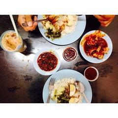 Photo taken at Restoran Nasi Lemak Lido by Nik W. on 3/6/2014