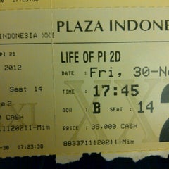 Photo taken at Plaza Indonesia XXI by Steffy S. on 11/30/2012
