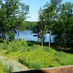 Photo taken at The Inn at Woodloch by Ryan D. on 6/22/2014