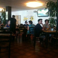Photo taken at Imperial Pizzeria by Luis C. on 7/28/2013