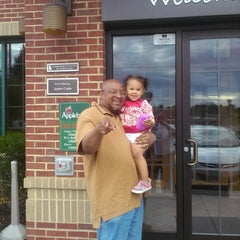 Photo taken at Applebee's by Melissa A. on 8/15/2014