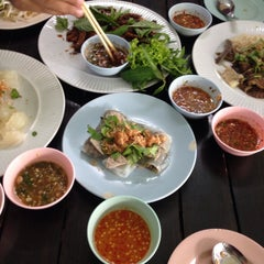 Photo taken at ร้านญวน (Yuan Restaurant) by Sutida S. on 8/16/2014