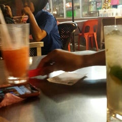 Photo taken at Adam Char Koey Teow by Muhamad S. on 10/22/2015