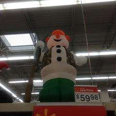 Photo taken at Walmart Supercenter by Chuck G. on 10/14/2012