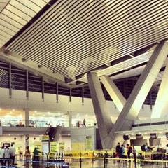 Photo taken at Ninoy Aquino International Airport (MNL) Terminal 3 by Rhinna C. on 6/14/2013
