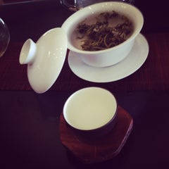 Photo taken at Red Blossom Tea Company by Rigzin V. on 8/13/2014