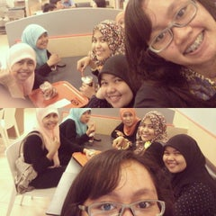 Photo taken at A&W by Annisa S. on 12/21/2013