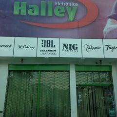Photo taken at Eletrônica Halley by Alyne M. on 8/2/2013