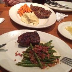 Photo taken at Black Angus Steakhouse by Chen F. on 2/20/2015