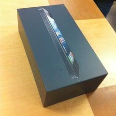 Photo taken at Apple Store by Jeremy B. on 11/17/2012