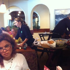 Photo taken at Olive Garden by Manuel P. on 9/1/2013