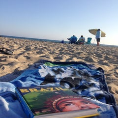 Photo taken at Newport Beach, CA by Tgb Y. on 8/27/2015