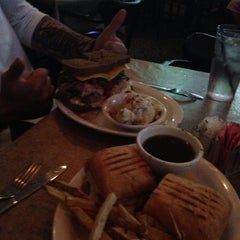 Photo taken at Irish Eyes Pub & Restaurant by Sean C. on 8/4/2013