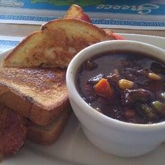 Photo taken at Grecian Island Restaurant by Giovanni B. on 11/16/2012