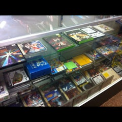 Photo taken at Game Over Videogames by Mando on 10/13/2012
