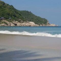 Photo taken at Phangan Bayshore Resort by Cathrina M. on 11/16/2015