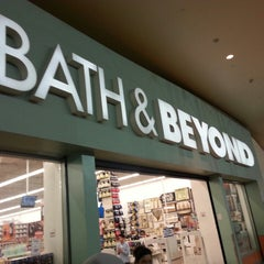 Photo taken at Bed Bath & Beyond by Fernando T. on 8/27/2013
