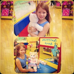 Photo taken at Build-A-Bear Workshop by Raquel L. on 6/18/2014
