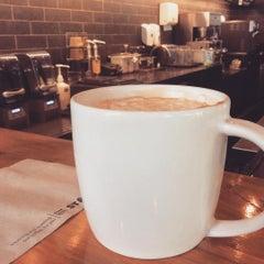 Photo taken at Starbucks Coffee by Oreo V. on 7/18/2015