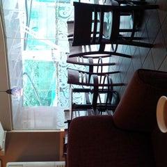 Photo taken at Starbucks Coffee by Rex on 4/13/2013